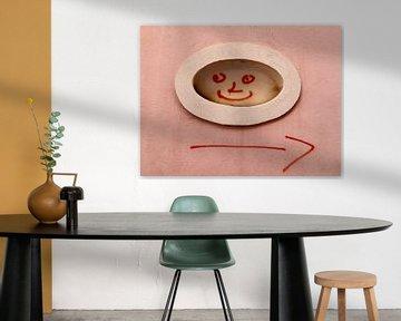 smiley op de muur van Gerda Woltinge