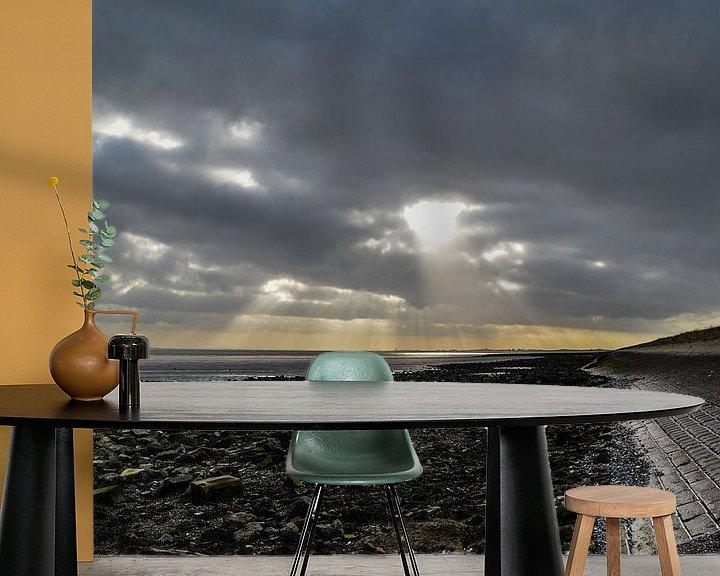 Sfeerimpressie behang: Zonnestralen van Marcel Nauta