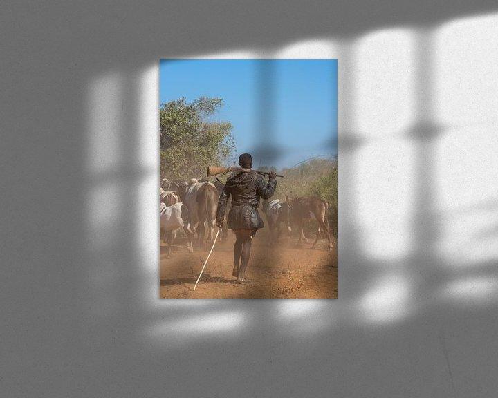 Sfeerimpressie: Herder met geweer in Madagaskar van Jeroen Kleiberg