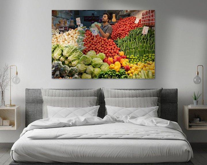 Sfeerimpressie: Groentenwinkel in Teheran van Jeroen Kleiberg