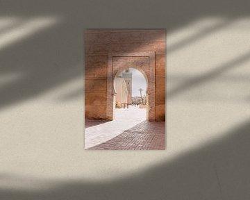 Tor in Marrakesch | Marokkanische Reisefotografie von Yaira Bernabela