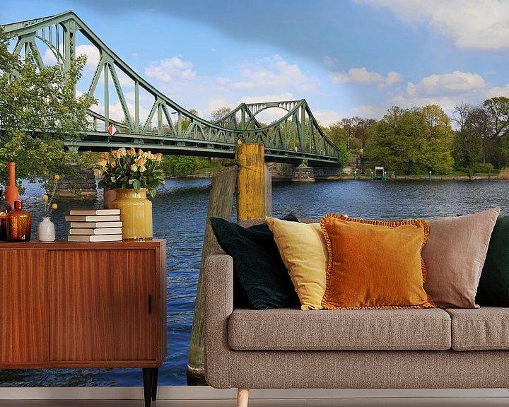 Sfeerimpressie behang: Glienicke-brug van Frank Herrmann