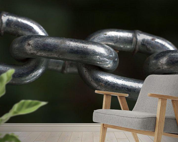 Sfeerimpressie behang: the weakest link.. van Maarten Krabbendam