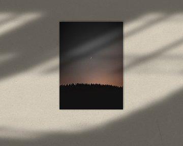 Rêver - la lune au-dessus des montagnes sur Anna Davis