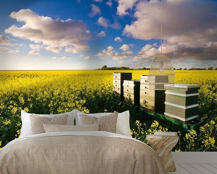Sfeerimpressie behang: De bloemetjes en de bijtjes van robert wierenga