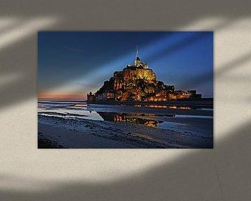 Le Mont-Saint Michel op het blauwe uur