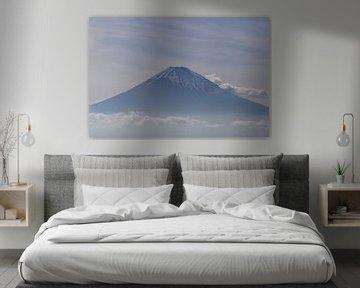 Fuji über den Wolken von Johannes Gho