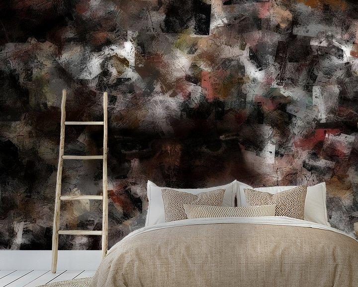 Sfeerimpressie behang: Lost in the crowd van Maurice Dawson