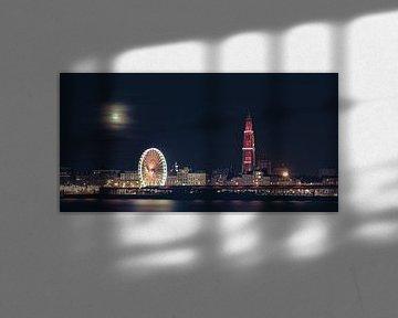 Skyline Antwerpen im Winter bei Vollmond von Ribbi The Artist