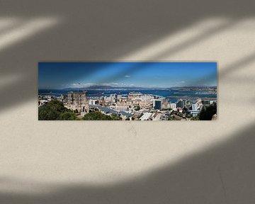 Panorama van Gibraltar met de baai van Alcezira en La Linea de la Conception