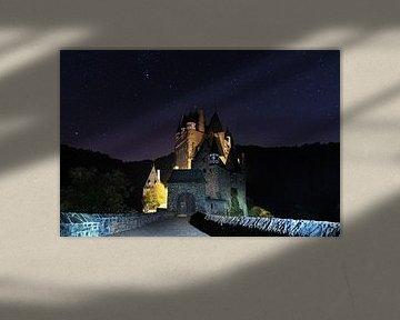 Het wonderschone Burg Eltz, Duitsland van Dennis Donders