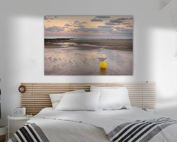 Boei op het strand van Koksijde van Johan Vanbockryck