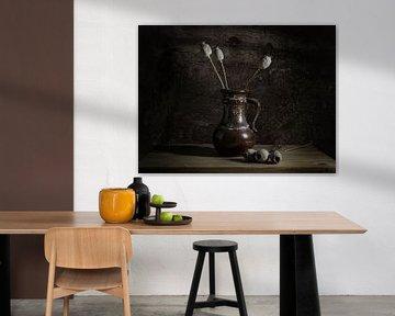 Stilleben mit brauner Vase von Danny den Breejen