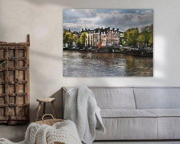 Schilderachtig tafereeltje van de grachtenpandjes in Amsterdam van ina kleiman