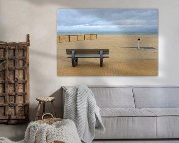 Bank aan het strand van Johan Vanbockryck