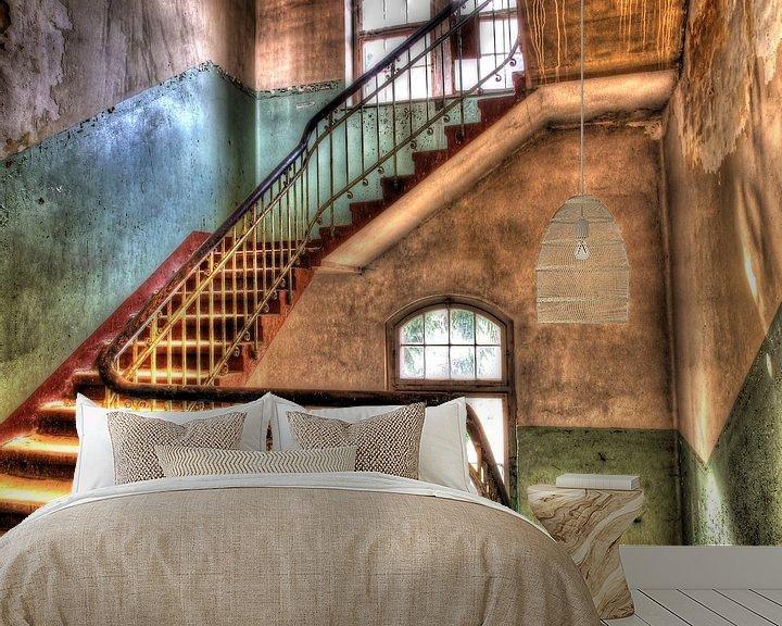 Beispiel fototapete: Treppenhaus in einem alten, verlassenen Gebäude von Tineke Visscher