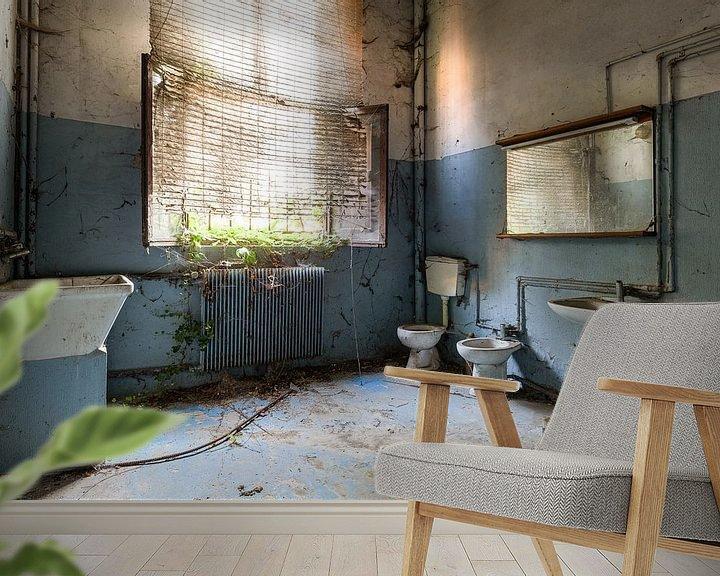 Beispiel fototapete: Verlassenes blaues Badezimmer von Kristof Ven