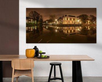 Nachtopname van de EEbuurt in Leeuwarden, Friesland. van Harrie Muis