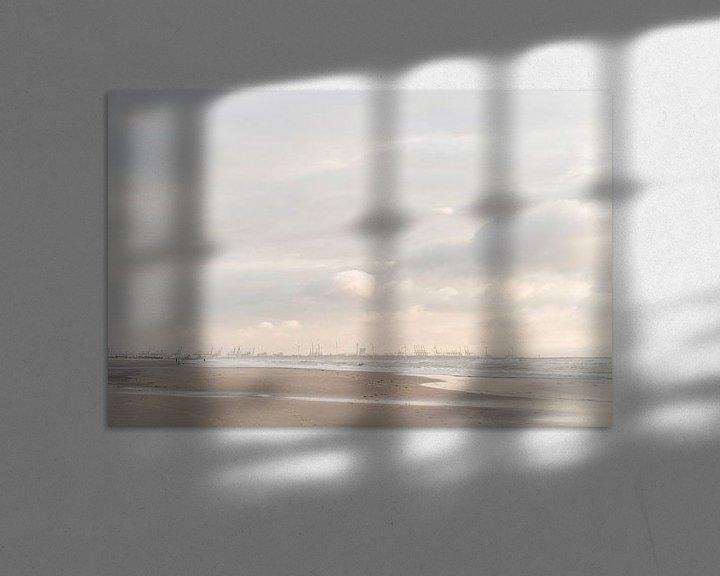 Beispiel: Maasvlakte und Hook of Holland: malerischer Himmel und Surfer bei Sonnenuntergang von Laura-anne Grimbergen