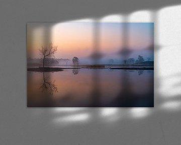 Het was een rustige winterochted net voor zonsopkomst. van Adri Klaassen