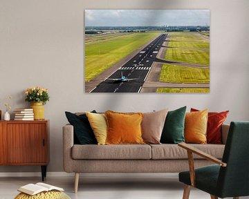 KLM Boeing 737 auf der Startbahn des Amsterdamer Flughafens Schiphol von Jeffrey Schaefer