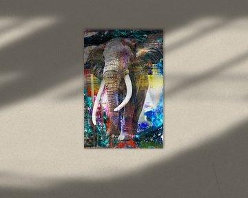 Great Elephant door Richter, Brandt and Zanolino van Giovani Zanolino