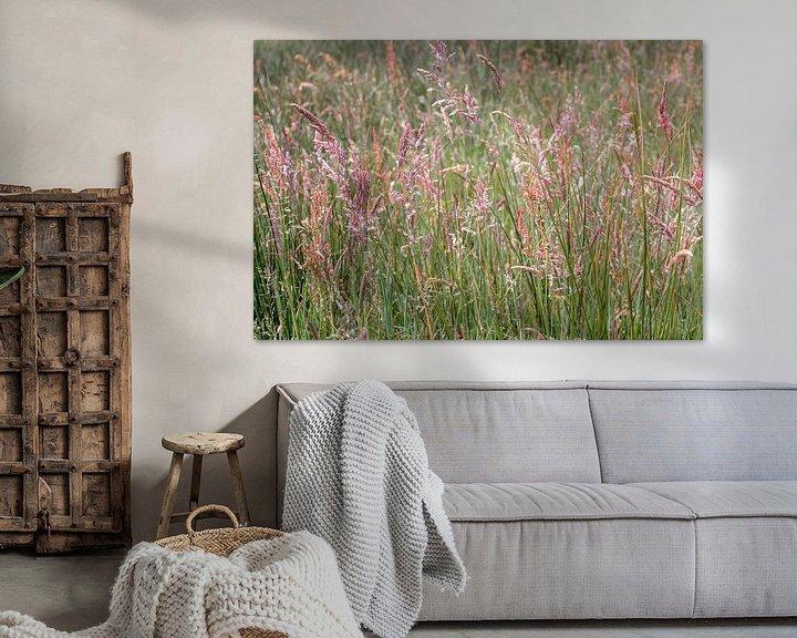Sfeerimpressie: Bloeiend gras van Hanneke Luit