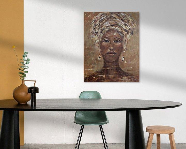 Beispiel: Afrikanische Frau Cognac von Mieke Daenen
