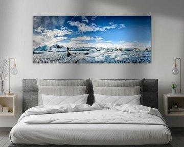Eisberge in der Gletscherlagune Jökulsárlón in Island. von Sjoerd van der Wal