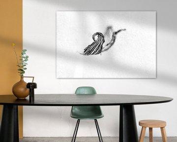 Hazenpootje in abstract zwart wit van Elles Rijsdijk