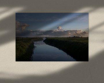 Nevel boven een riviertje van Martijn Aleman
