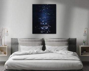 Dark blue shiny water van Sandra Hazes