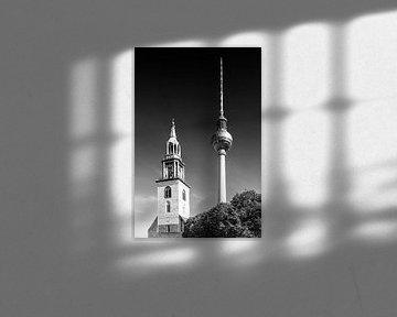 BERLIN Fernsehturm & Marienkirche | Monochrom von Melanie Viola