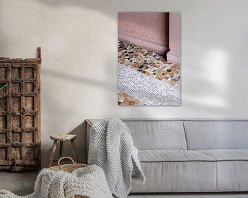 Details in Mailand ᝢ Reisefotografie in Italien ᝢ rosa Architekturfotografie von Hannelore Veelaert