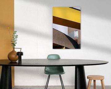 Gallaratese ᝢ Reisefotografie Mailand Italien ᝢ dynamische Architekturfotografie gelb von Hannelore Veelaert