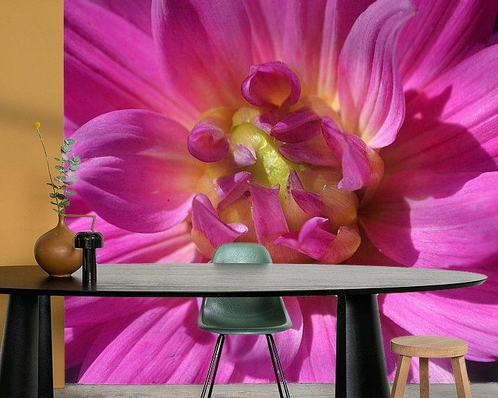 Sfeerimpressie behang: Dahlia van JTravel