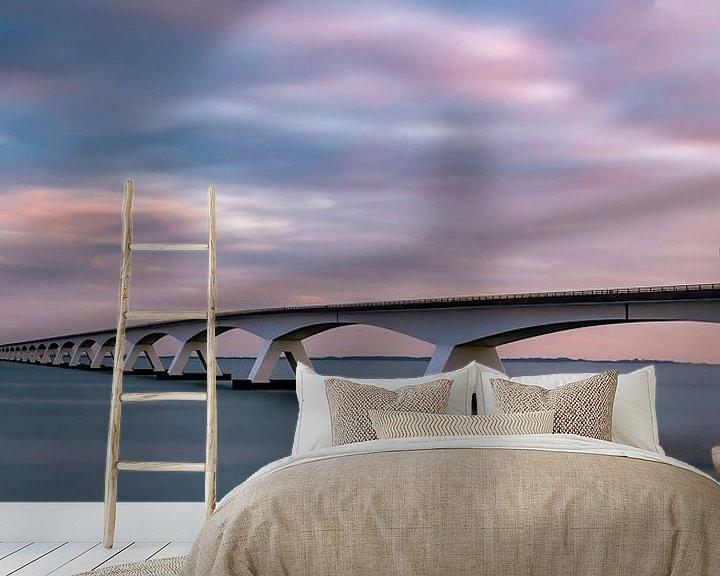 Sfeerimpressie behang: Zeelandbrug zonsopkomst van Marjolein van Middelkoop