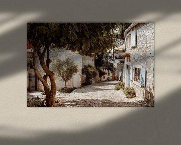 idyllische Straße in Südeuropa von Suzanne Fotografie