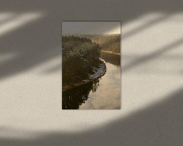 Winterse rivier van Axel Weidner