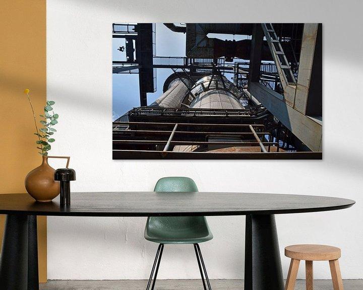 Beispiel: rostiger Silo auf dem ehemaligen Hochofenkomplex Lapadu in Duisburg von Robin Verhoef