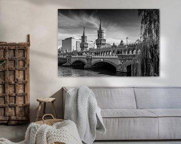 BERLIN Oberbaumbrücke | Monochrom von Melanie Viola