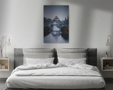 Ein nebliger Morgen im Polder in Noord-Holland von Tes Kuilboer