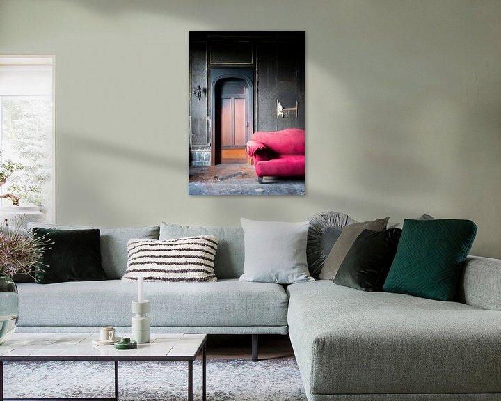 Sfeerimpressie: Verbrande Kamer in Verlaten Kasteel. van Roman Robroek