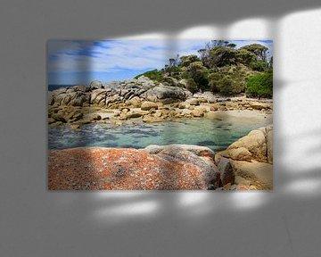 Bay of Fires op Tasmanië van Daphne de Vries