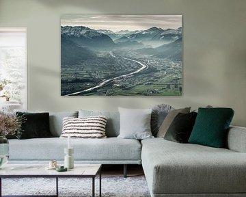 Uitzicht op het Rijndal en de Rijn in het winterseizoen van Besa Art