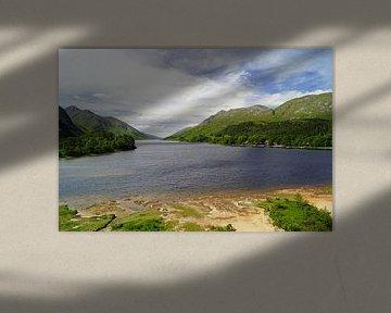 Uitzicht op Loch Shiel in Schotland. van Babetts Bildergalerie