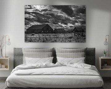 Old Farm in schwarz-weiß von Martine Moens