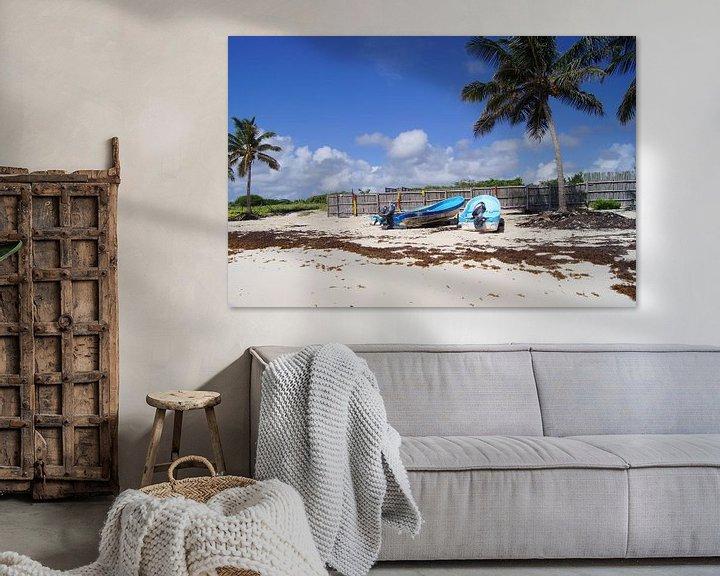 Sfeerimpressie: Boten op het strand op Cozumel van Jadzia Klimkiewicz