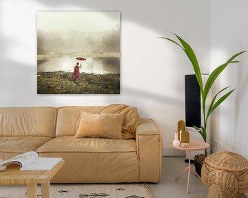 Landschaft mit orientalischem Jungen mit Regenschirm von Keesnan Dogger Fotografie