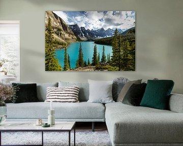 Morenmeer in de Rocky Mountains van Roland Brack